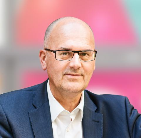 Bart De Smet, Chairman